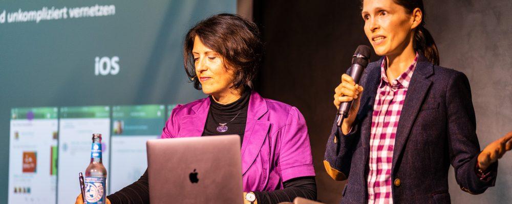 Martha Giannakoudi und Amelie HR Event Xing Puls Medienhafen Düsseldorf Hosts
