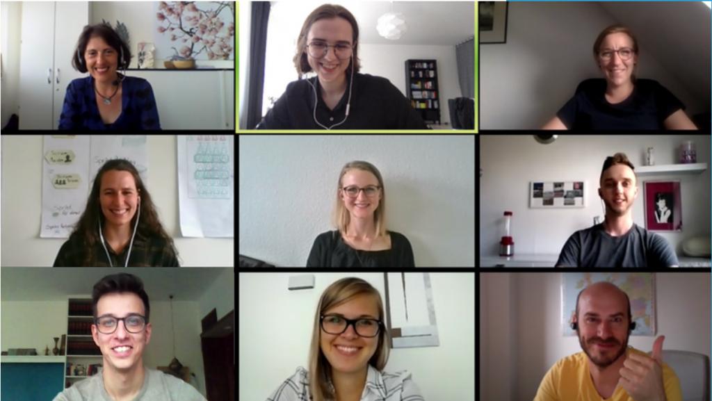 Digitales Event. Hafen Leader Session Online Screenshot. Die Teilnehmer*innen lächeln auf Zoom in die Kamera